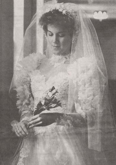 9003_05032018_CP-carolyn-bridal-gown-newspaper-001_600x852